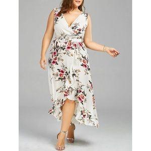 Dresses & Skirts - Plus-size Flouncy, Floral Beach Dress